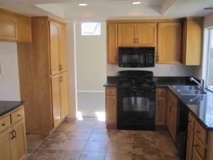 1525 Tahoe - 2 kitchen